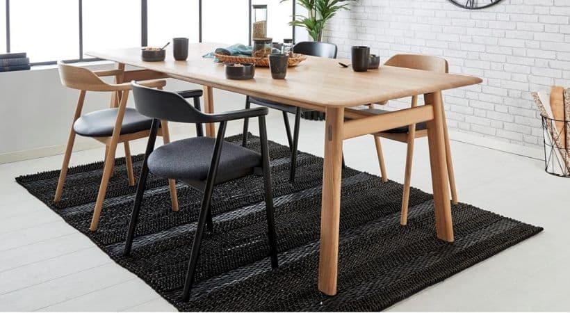 Massivt egetræsbord