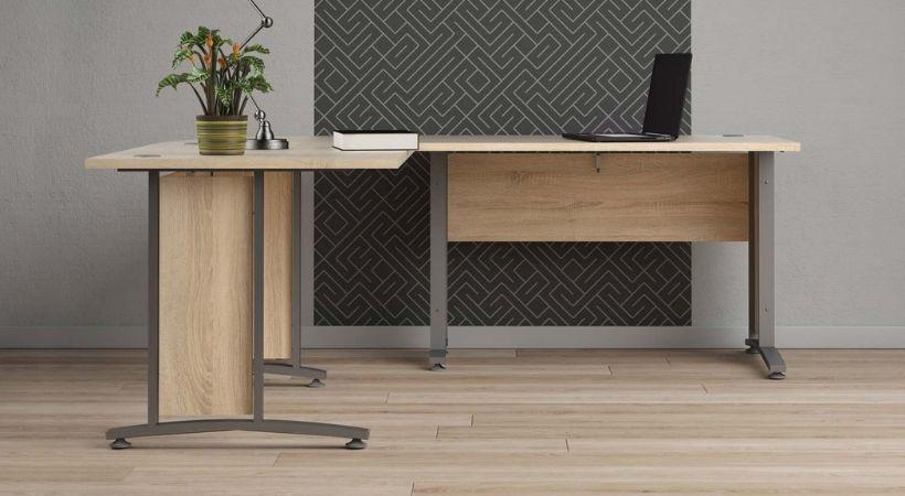 Prima skrivebord med vinkel - Træ