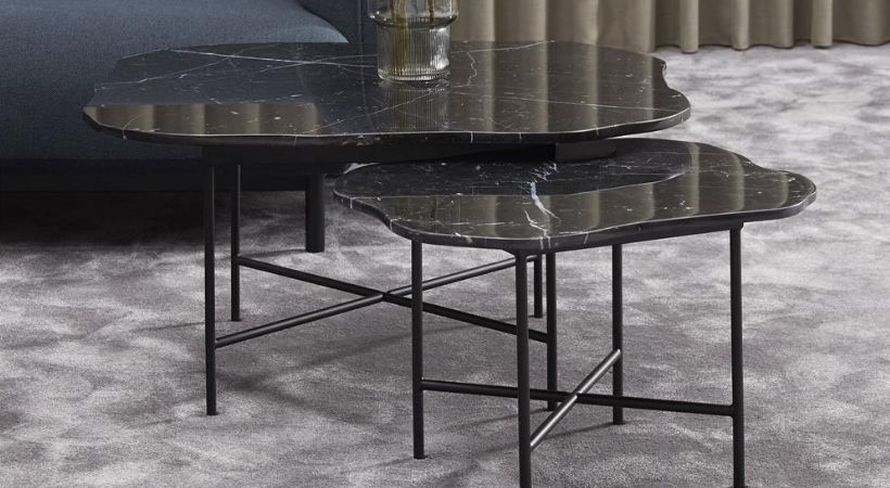 Stort sort sofabord i marmor