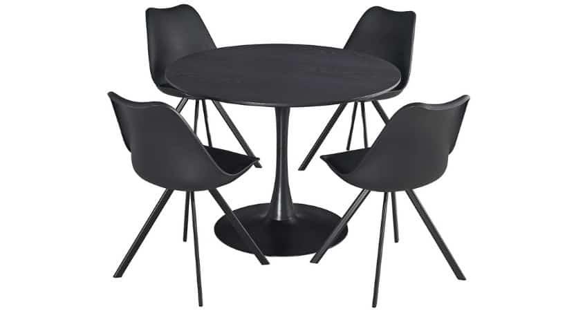 Billigt spisebord med stole