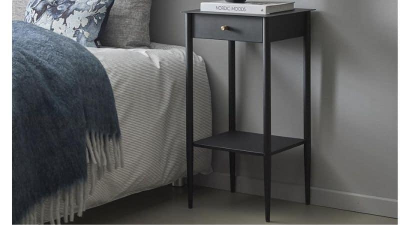 Sengebord med skuffe - Sort metal