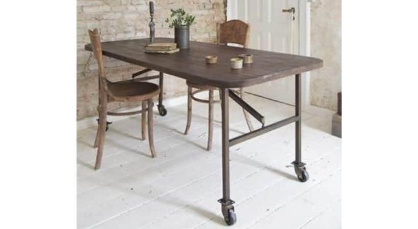 Spisebord med hjul - Antikt retro-look