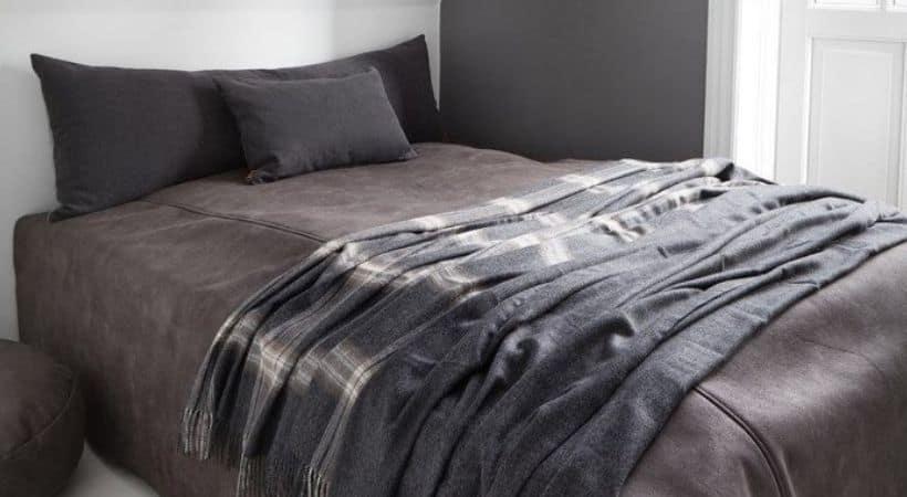Gavlpude - Stor pude til sengen