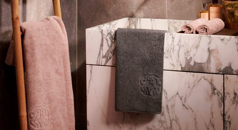 Lyserødt gæstehåndklæde fra Georg Jensen