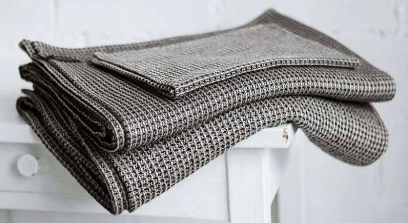 Sort/natur badehåndklæde i hør og bomuld