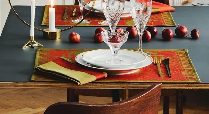 Dækkeservietter til jul - Rød / guld