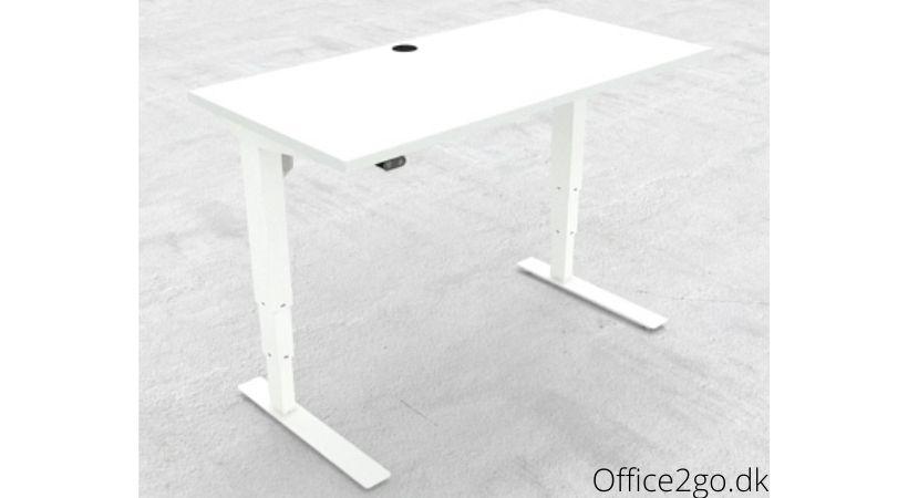 Hæve-sænkebord med mulighed for lav indstilling - Oplagt til børn