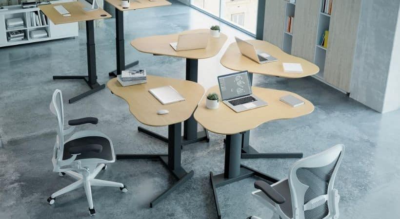 Lille hæve-sænkebord i bøg - 100x60 cm