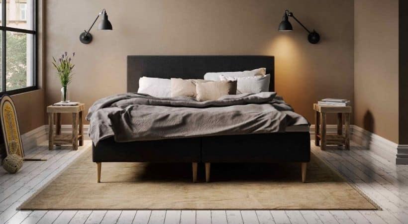 Jupiter Wood - Elegant sort madras med solid ramme